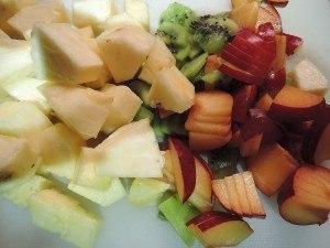 ananas kiwi und pflaumen